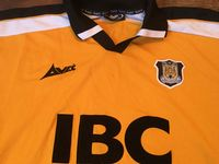 Global Classic Football Shirts | 2000 Hull City Vintage Old Soccer Jerseys